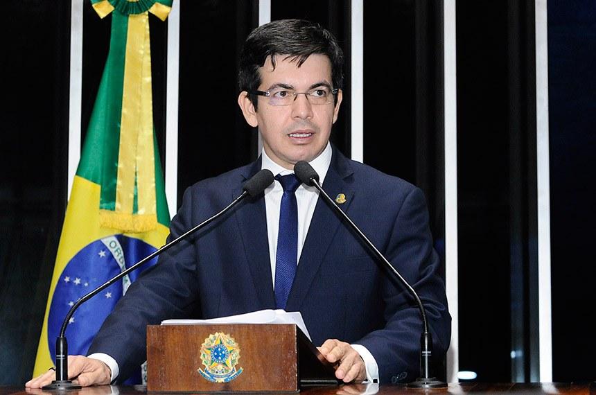 Quando a democracia não se encaixa na Justiça, escreve Randolfe Rodrigues